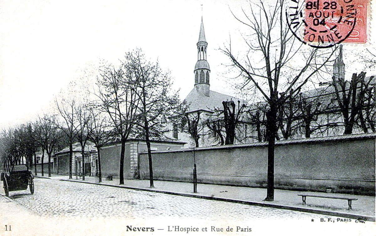 Nevers, Pougues, quelques CPA