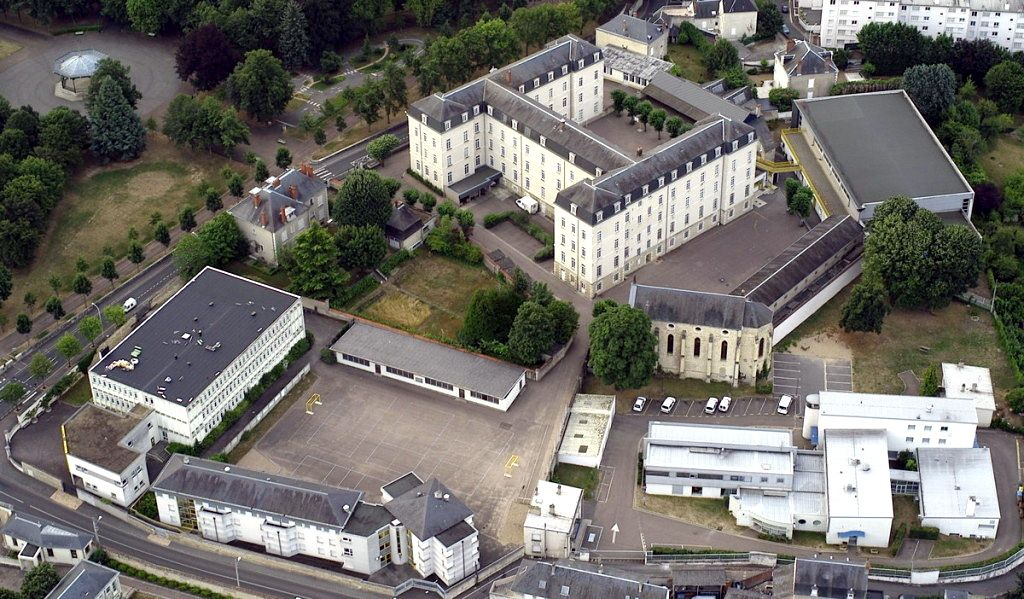Institution Saint-Cyr, Nevers 1915 - 1987