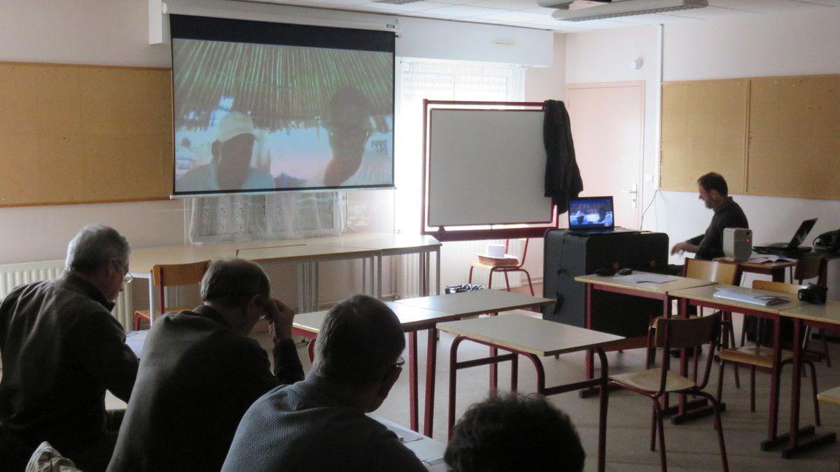 Les échanges avec Issa et Mamoudou par Skype en début de l'AG
