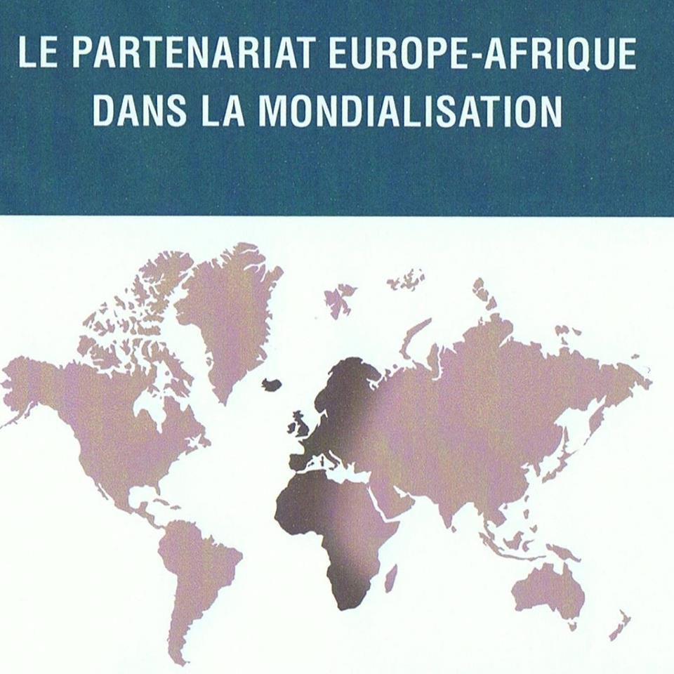LA FRANCE INQUIETE FACE A SON AVENIR : les librairies pour acquérir l'ouvrage