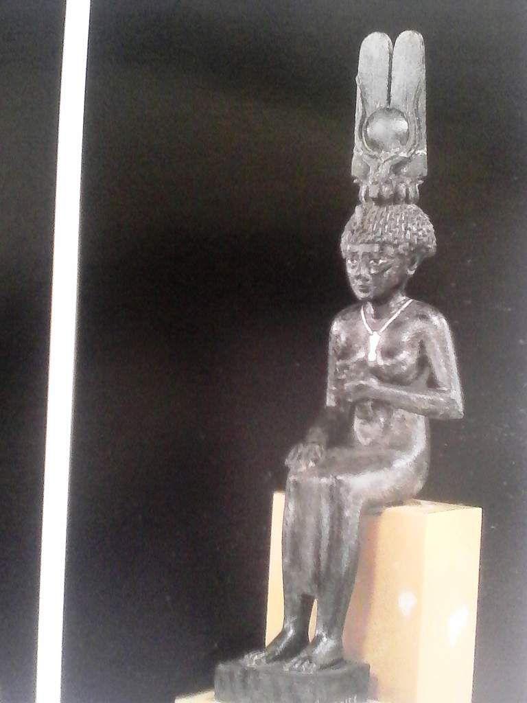 AIKS  KWANZA 2015  La Place de la femme dans la culture africaine                PR DOU KAYA
