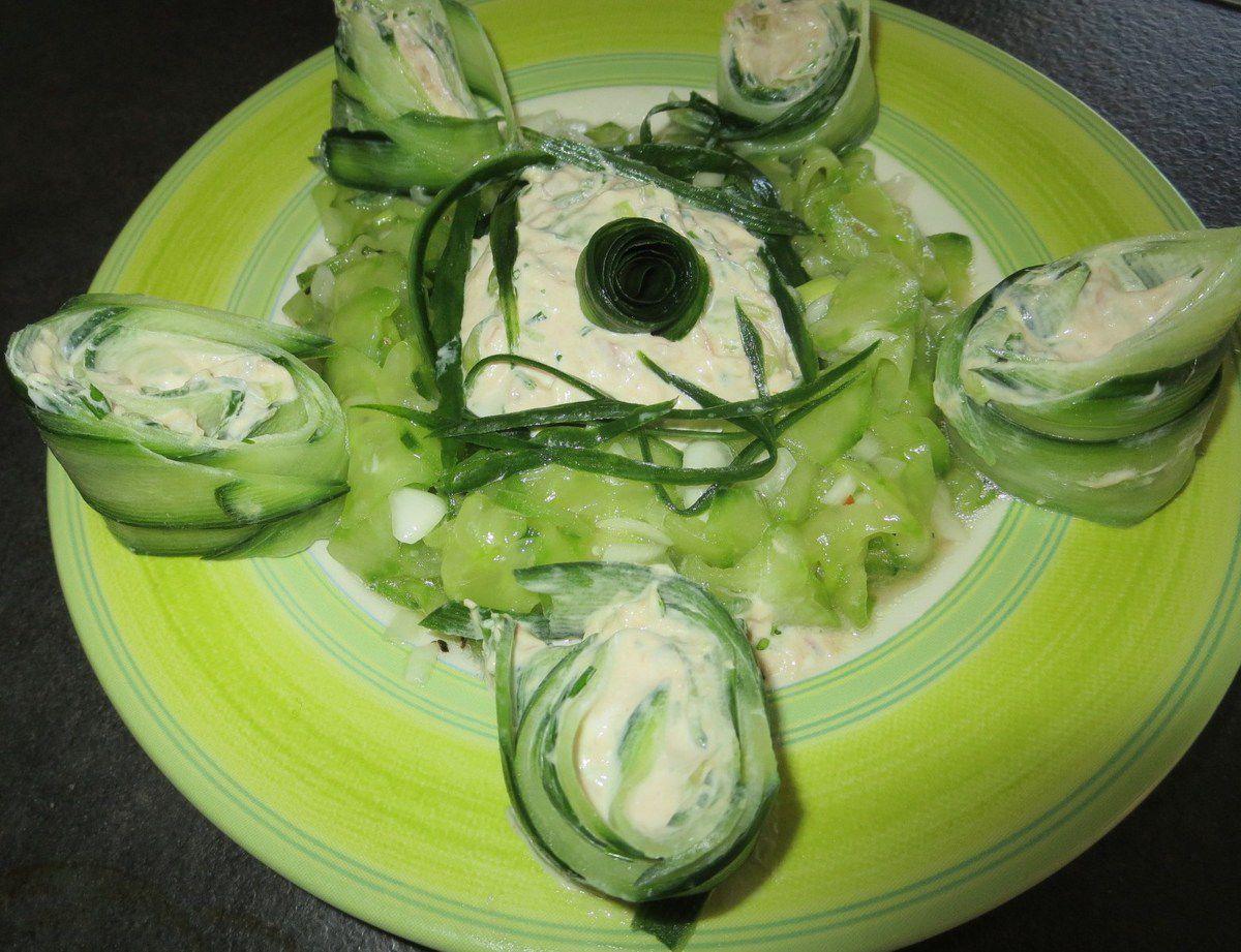 Des entrées...Avocats, concombres...