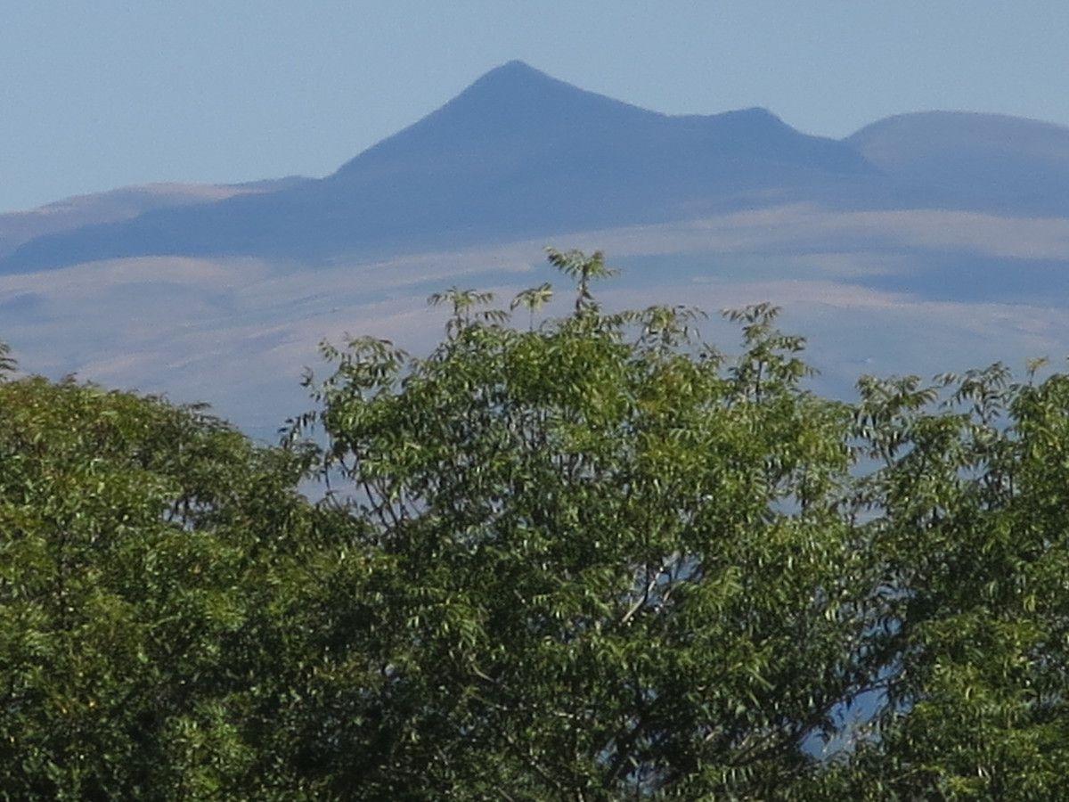 Une incursion dans le Cantal, l'Auvergne et le massif central... un autre paysage ... le Puy Mary.