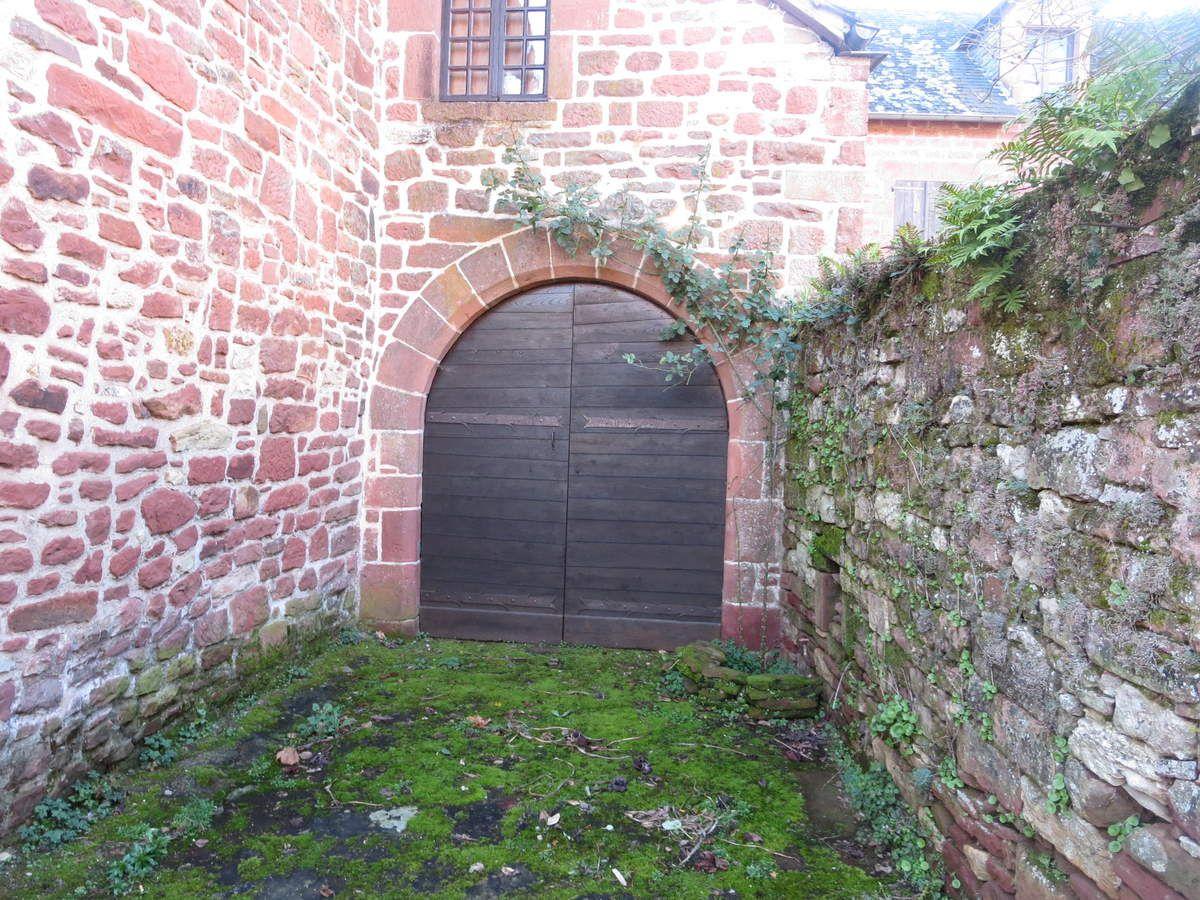 Des portes...toutes fermées mais pleines de mystère