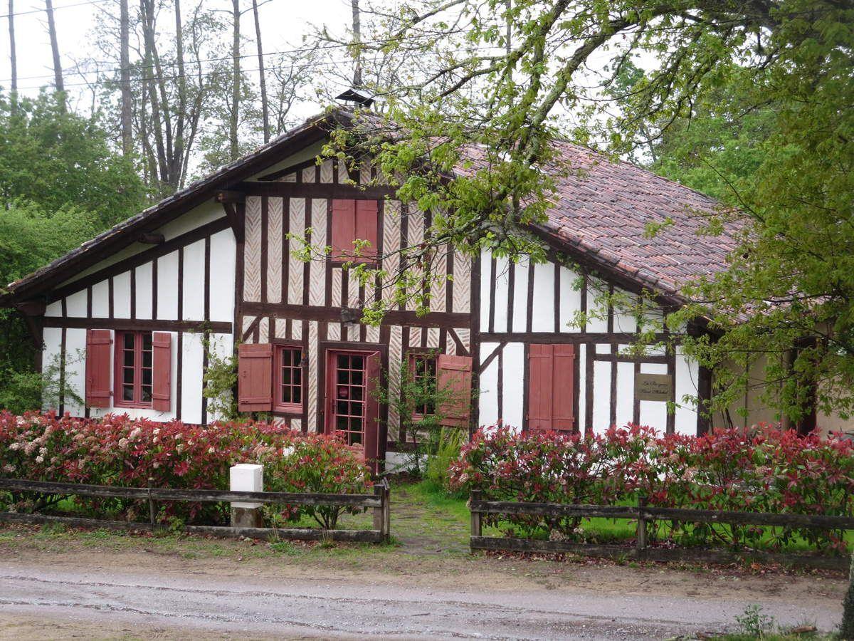 La bergerie saint michel escalus passion for Maison typique