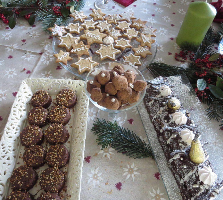Non,non!!! Pas les 13 desserts comme en Provence... ici , 4 réalisations seulement, mais le temps nous est compté .