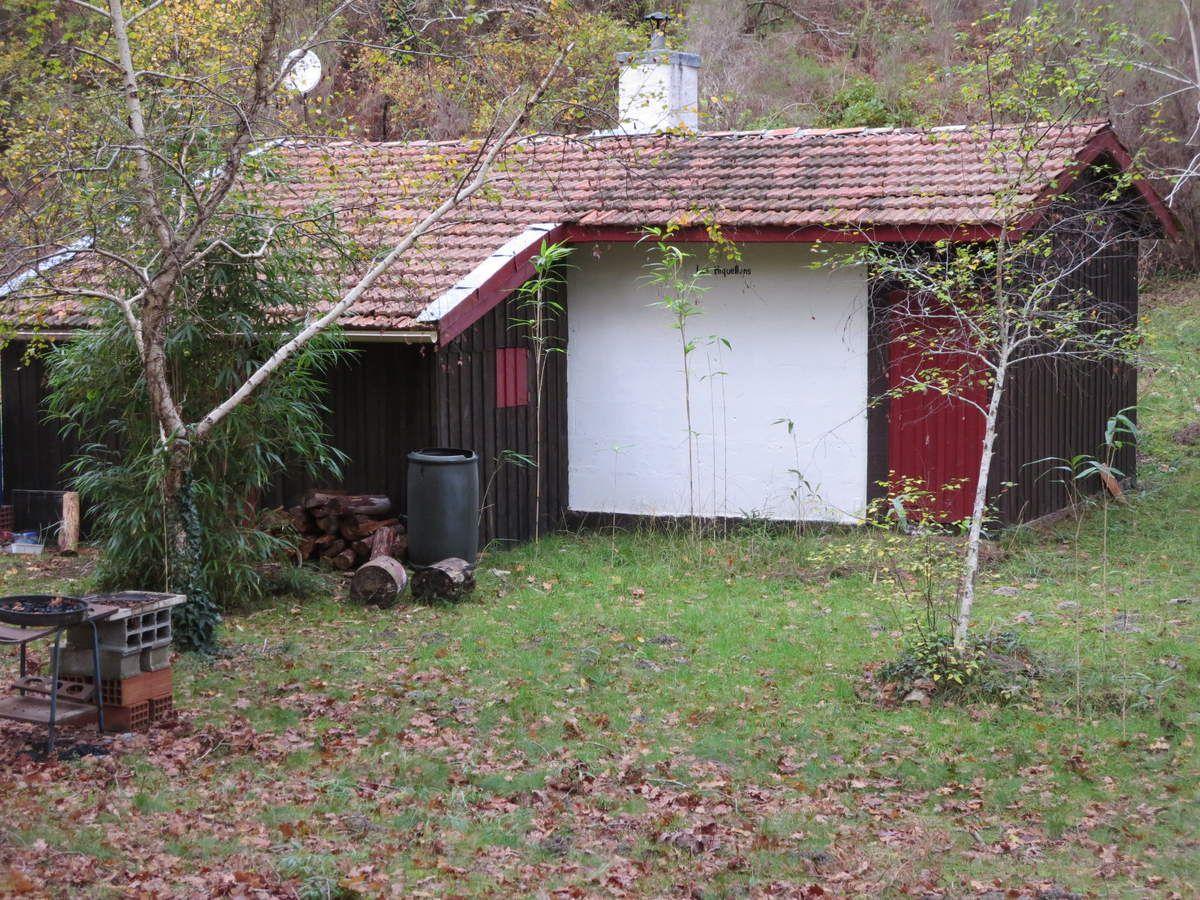 Une cabane ...modifiée mais toujours debout... Cinquante ans après !