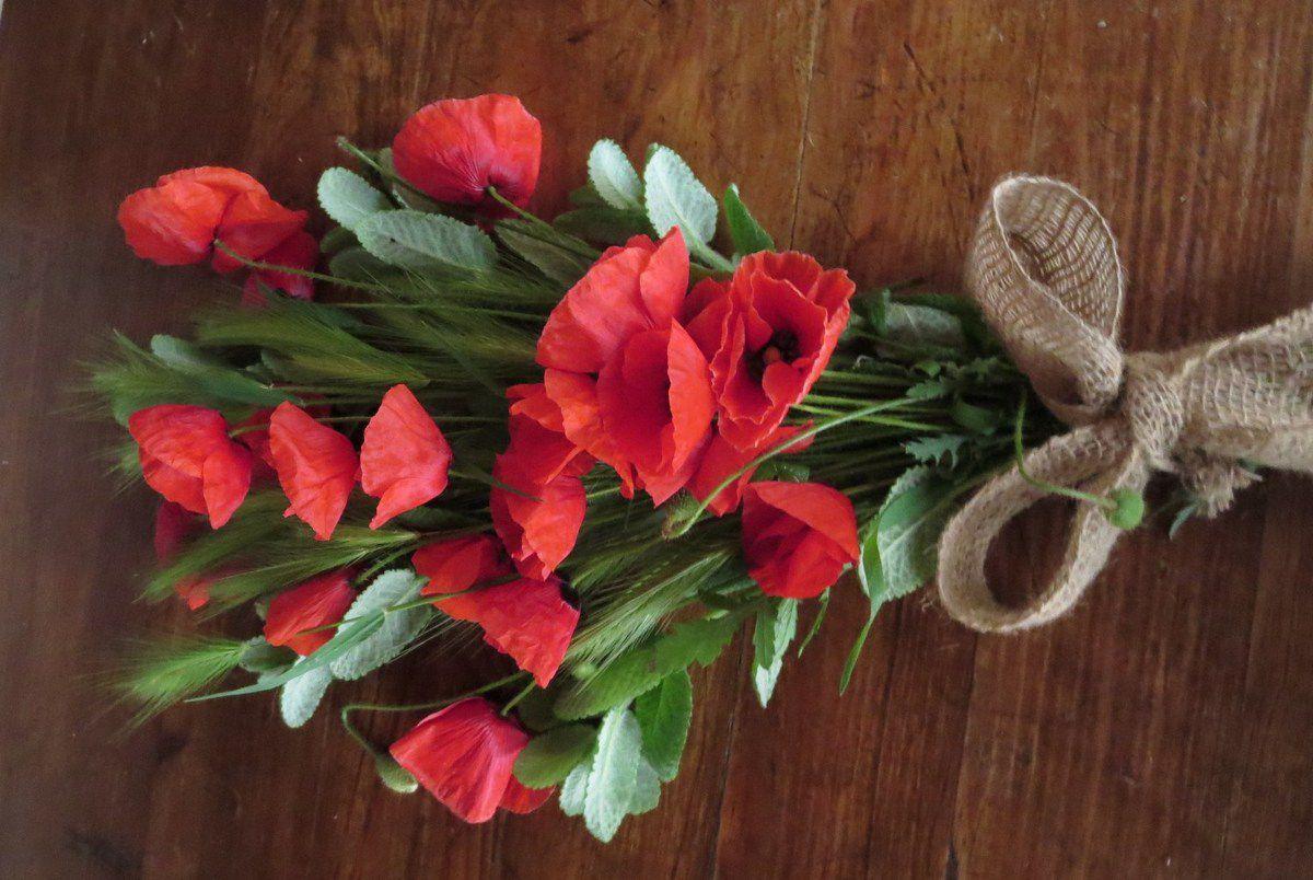 """Maman, """"Mamie Cazaux"""" pour Fifille, aimait toutes les fleurs, mais principalement les fleurs des champs"""