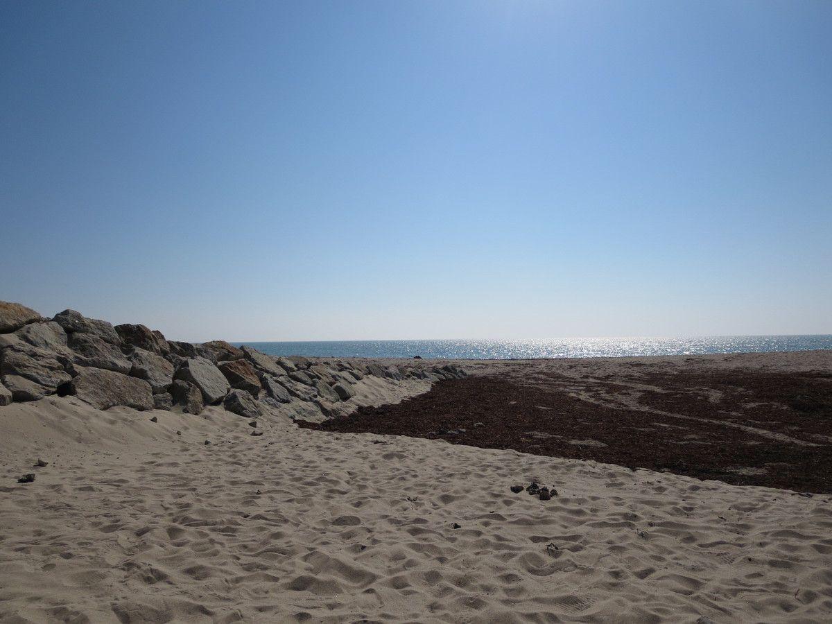 des plages...de celle ci je pense à ramener les petites pierres pour Nath