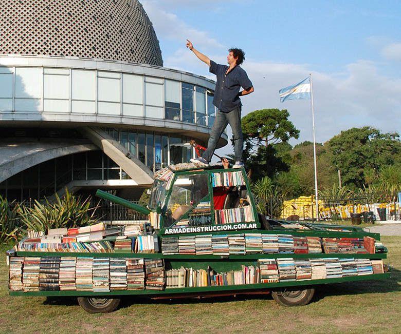 Un tank de livres gratuits pour combattre l'ignorance