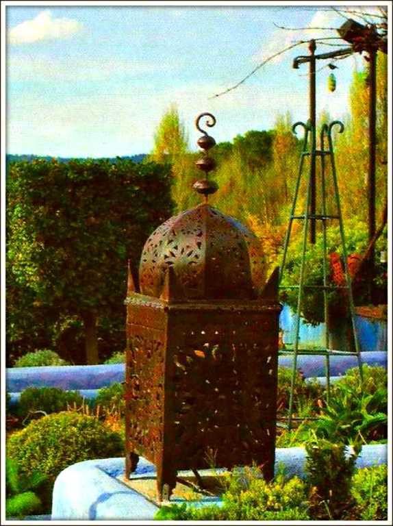 lanterne de jardin balades comtoises. Black Bedroom Furniture Sets. Home Design Ideas