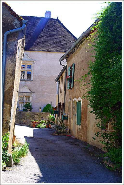 """Pesmes - Haute-Saône - labellisée """"cité de caractère"""""""