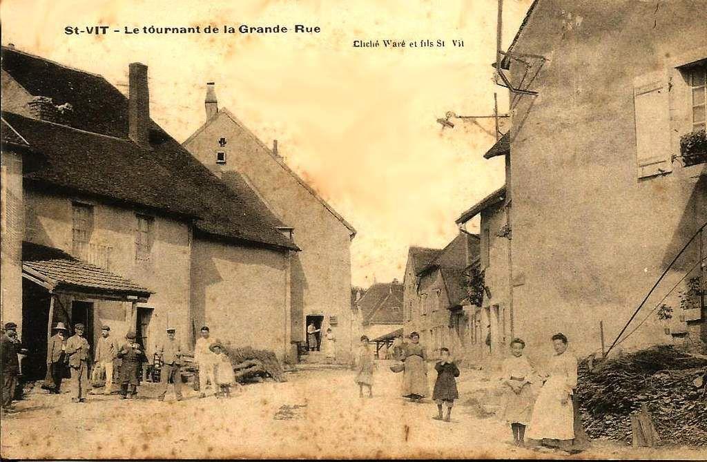 Saint-Vit - Doubs - Le tournant de la Grande Rue