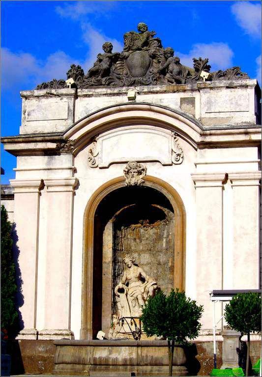 Fontaine de la Mère Truchot - salins les bains, jura