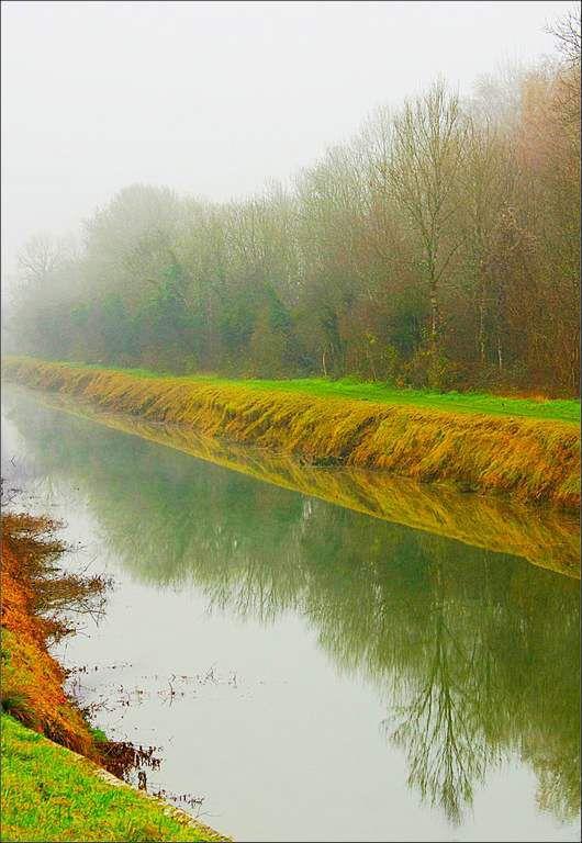 Chateauneuf - Fraisans canal du Rhône au Rhin dans le brouillard