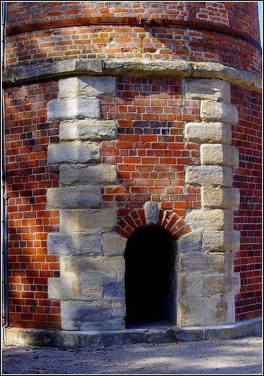 Fraisans - Jura - Les forges - cheminée