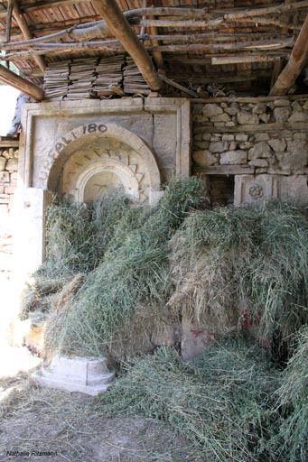 Ancienne fontaine dans une propriété d'Ağlasun