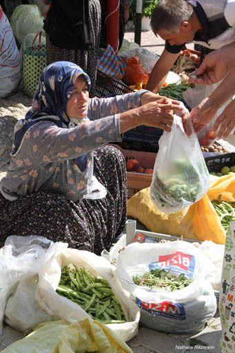 Au marché du vendredi à Ağlasun,Turquie