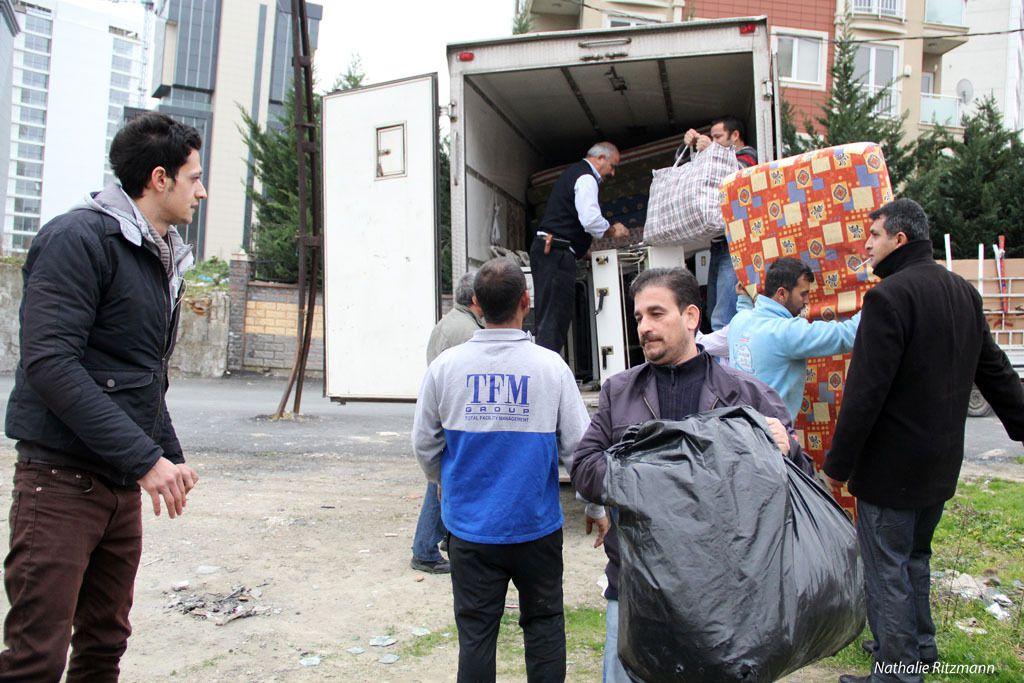 Un camion plein destiné aux roms d'Ataşehir à Istanbul