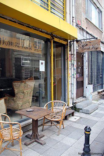 Komşu kafe à Kadıköy