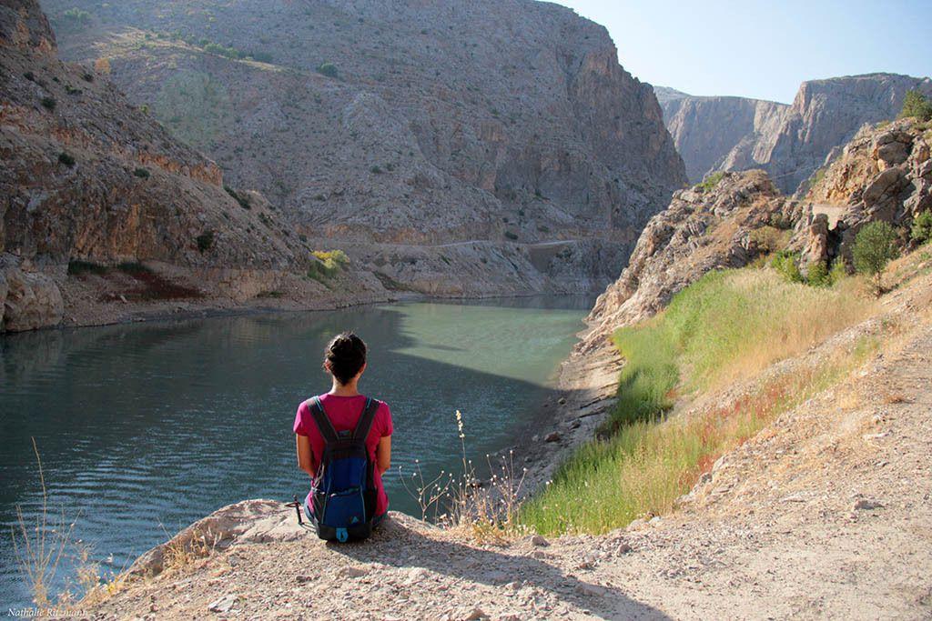 L'Euphrate et son canyon sombre à Kemaliye