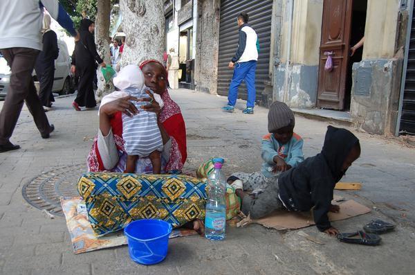 Alger : Des habitants chassent des réfugiés subsahariens et saccagent leur campement