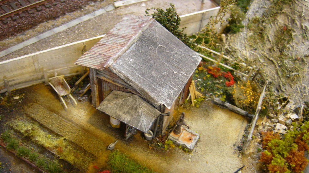 photo 398 la reproduction et patine des vieilles cabanes est superbe!