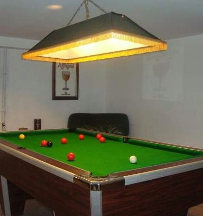 conseils en clairage pour un billard installer un luminaire. Black Bedroom Furniture Sets. Home Design Ideas