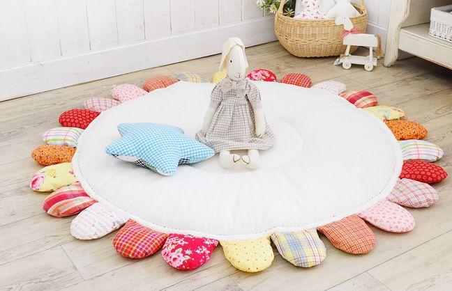 tapis pour b b tout mignon facile faire. Black Bedroom Furniture Sets. Home Design Ideas
