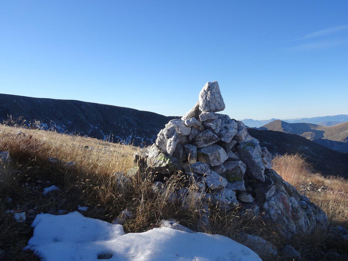 Cairn de quartz qui brillait au soleil...
