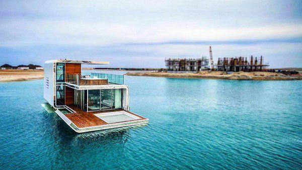 Une maison flotante avec vue ... sous la mer