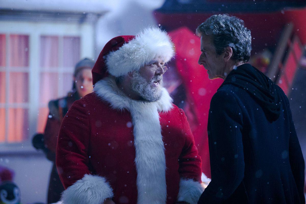 Première image promotionnelle du spécial Noël ! Le Doctor et le père Noël ne semblent pas d'accord sur un point... mais lequel ?