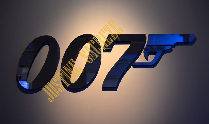 James Bond, exposition 2014-2015 à Londres : Bond in Motion !