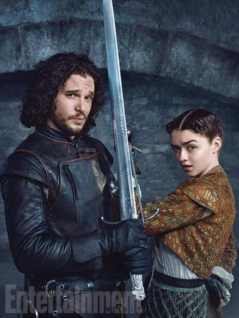 Jon et Arya pour le magazine Entertainment ! Jon and Arya for the Entertainment magazine.