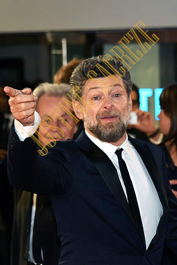 Andy Serkis illumine Leicester Square !
