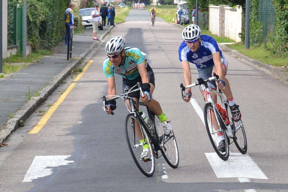 Christophe Théry ( AS Voisenon ) échappé au 2è tour avec Cédric LAURENT (ES Gervais-Lilas) qui l' a rejoint
