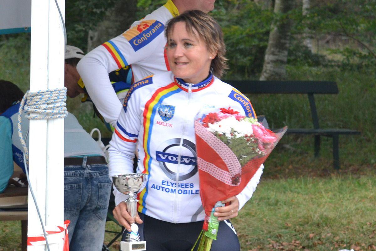 "Course ""GS"": Karine MARTINO (1ère féminines), Florian Durieux (1er cadets), de dos (1er minimes),puis Roland BARNABEI ,1er et Bernard LEBOUCQ,"