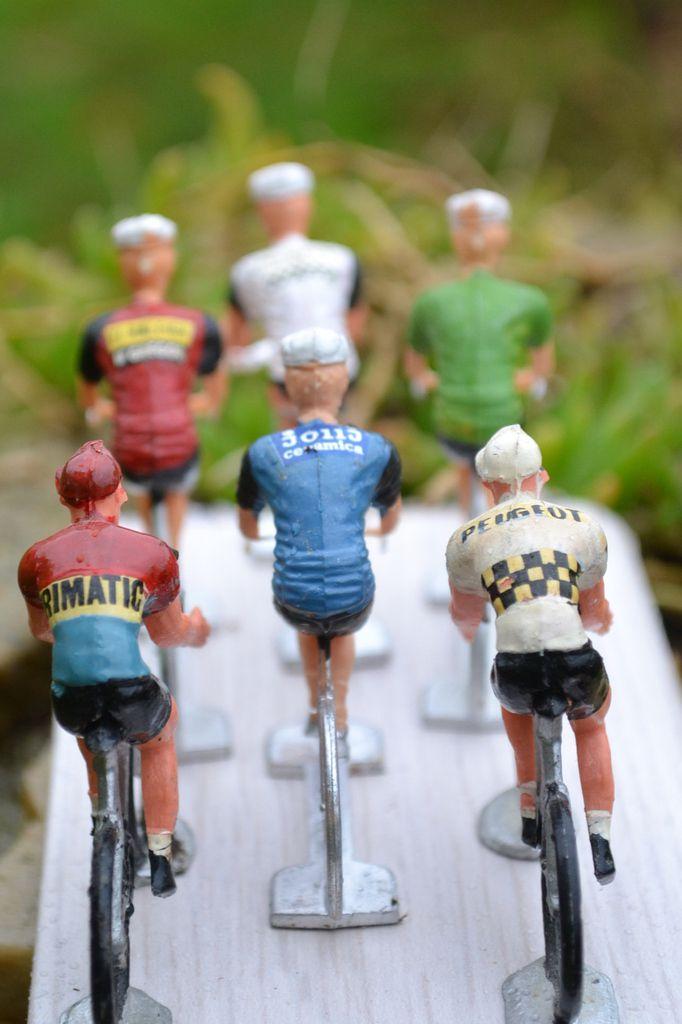 Figurines cyclistes: peloton extérieures.