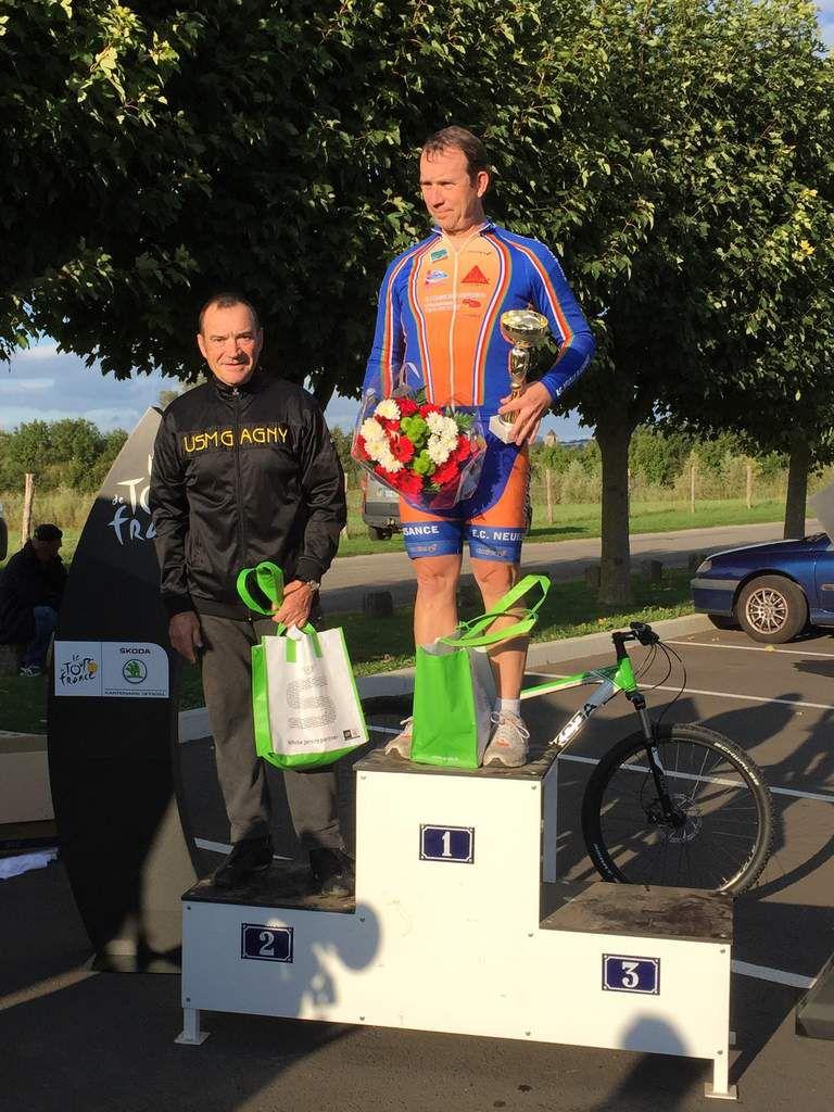 victoire; 20 septembre 2015 à Varennes sur Seine (77)