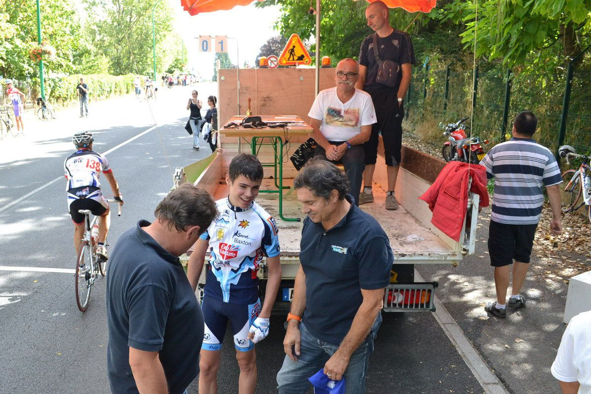 Eric RAMOS coureur (Team Cycliste Morangis)