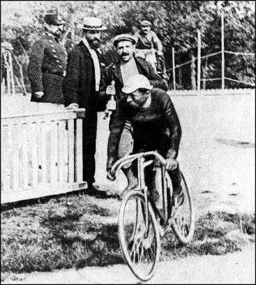 http://www.oldbike.eu/museum/bikes-1800s/1898-1899/1899-bicyclette-maurice-garin/