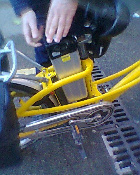 """Batterie des vélos """"la poste"""""""