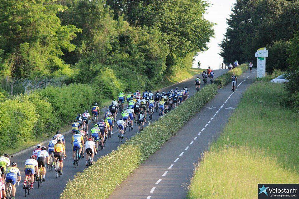 Michel GOUPIL, dans la montée, 7è a partir de la fin. (Photo Nicolas Vaucouleur Lévèque)