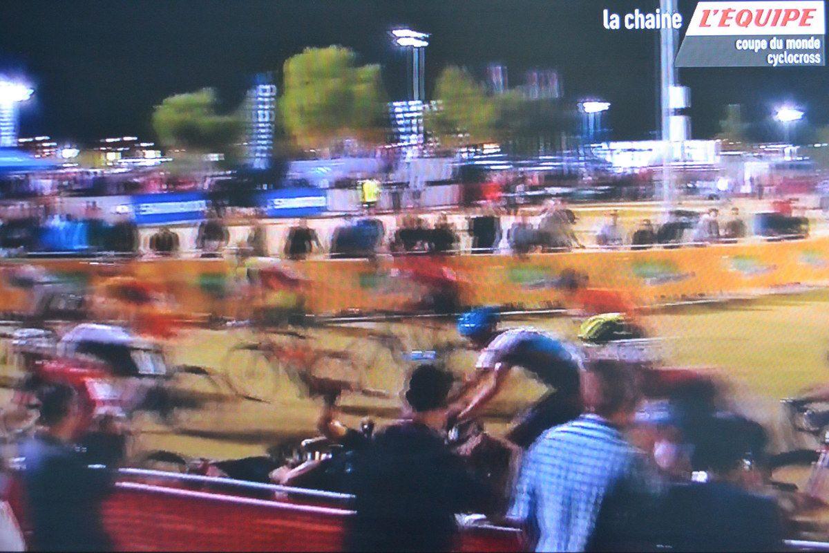 Chute au bout de 150m, dont Steve CHAINEL .