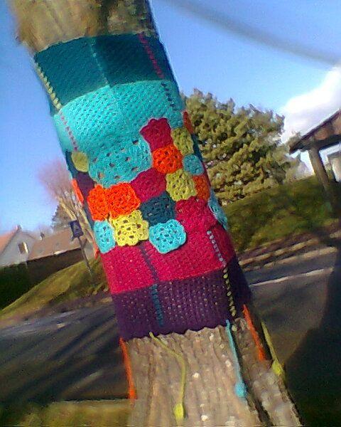 Des arbres habillés de laine à Villiers-le-Bacle (91)