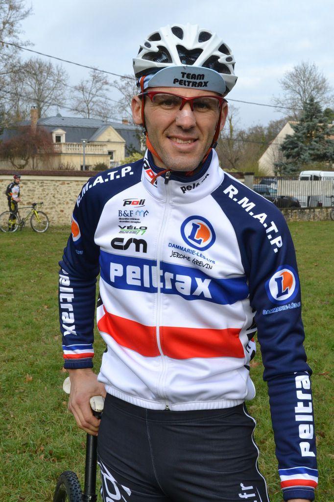 Jérôme GREVIN (Team Peltrax Dammarie), Champion de France Masters de Cross.
