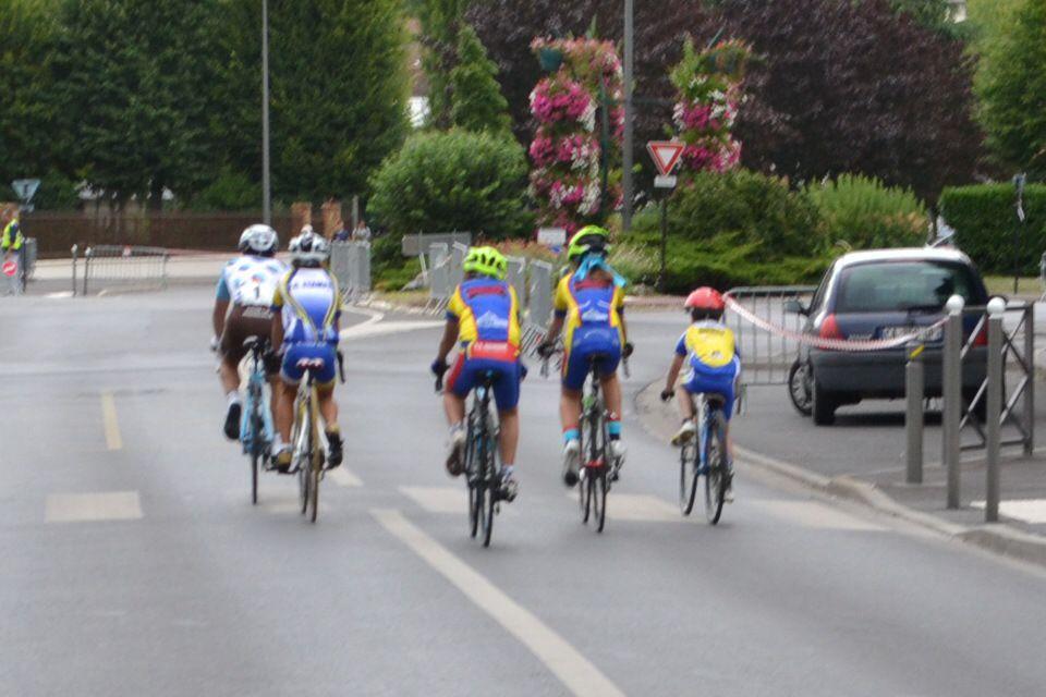 CS Dourdan, VC Etampes, CC Igny P.  avec Samuel DUMOULIN (AG2R-La Mondiale)
