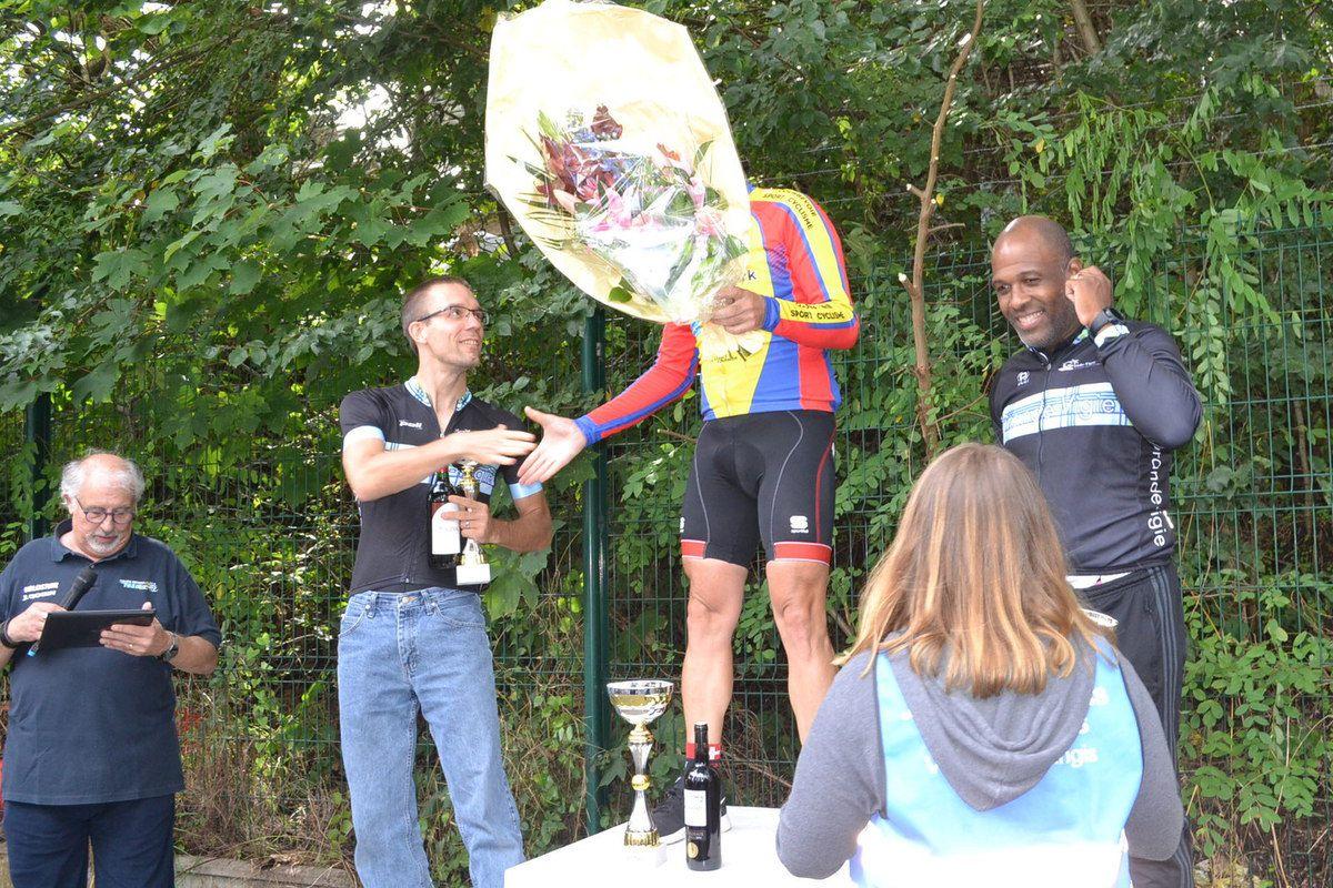 Le podium des 3èmes catégories.