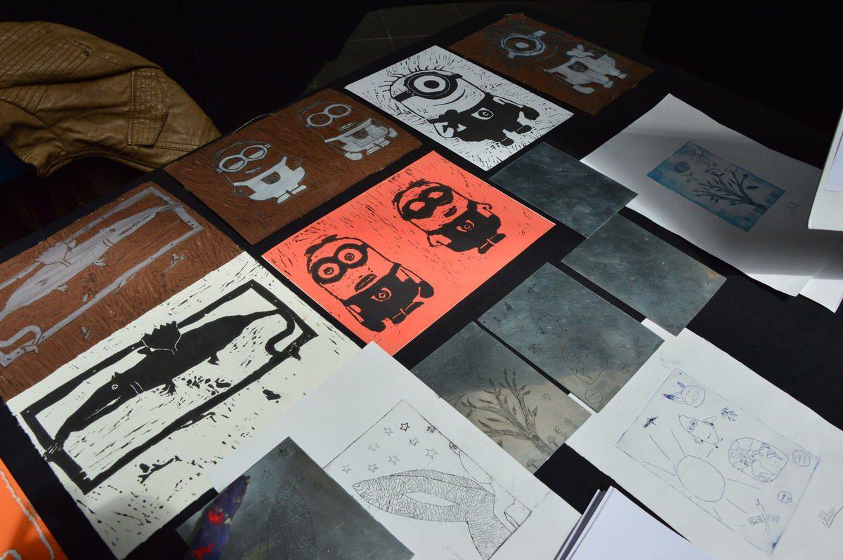 Exposition des élèves des ateliers Coloc'art au salon des arts de guichen