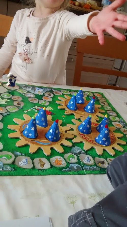 A quoi ils jouent? Les petits magiciens HABA